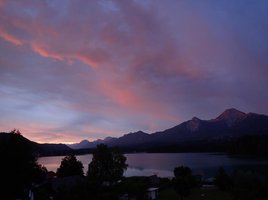 Faaker See, Drobollach, Villach, Kärnten, Morgengrauen, Mittagskogel, Südsee, Österreich, Seehotel